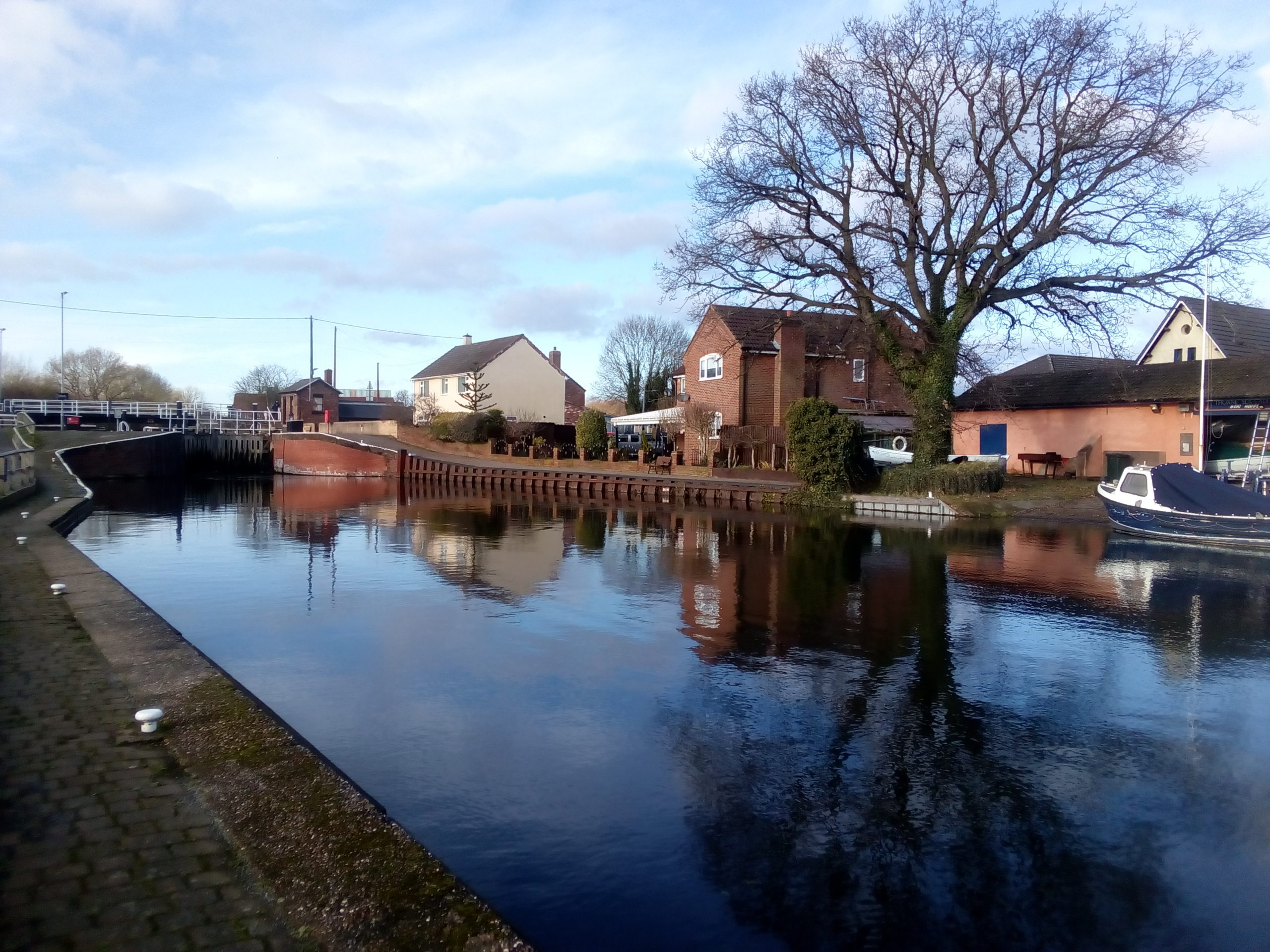 Picture of Keadby and Stainforth Canal and the lock located in Thorne